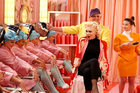 Gwen Stefani in a beauty parlor scene