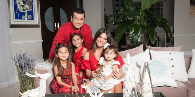 Barbara Bermudo's family holiday card