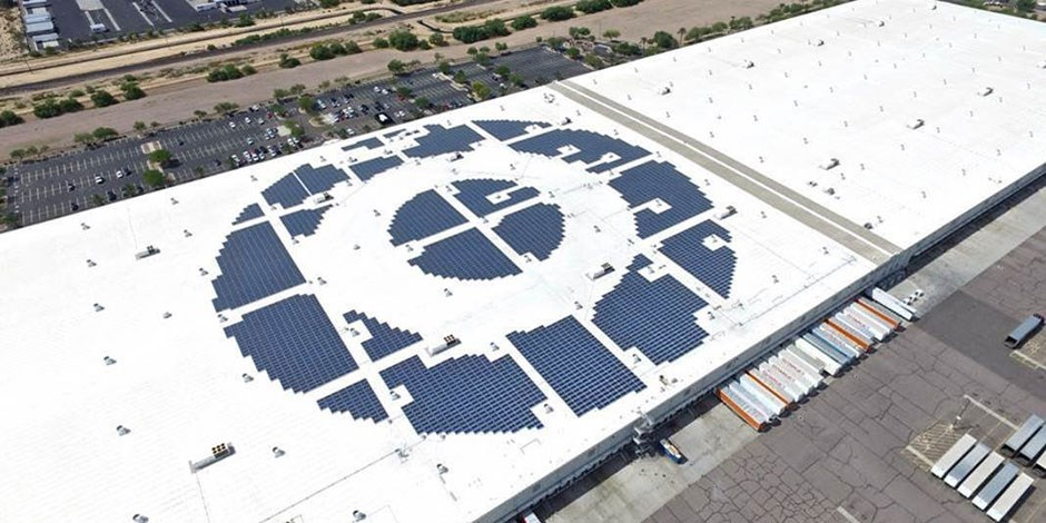 The rooftop of our Phoenix DC with its bullseye-shaped solar array