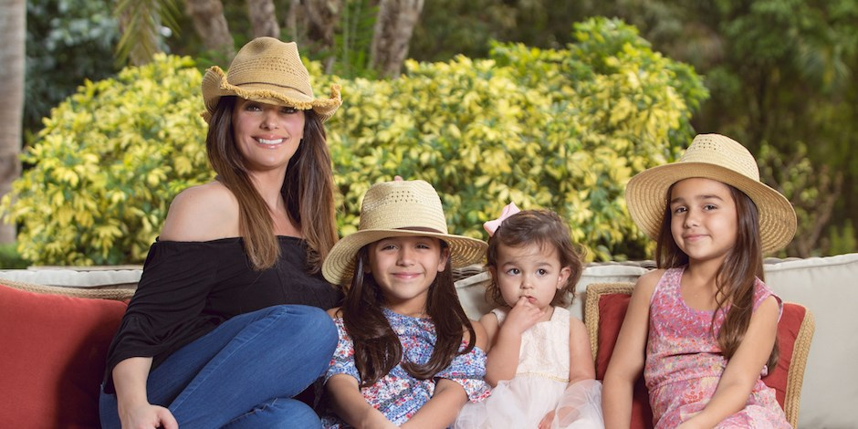 Barbara Bermudo with her daughters wearing Art Class