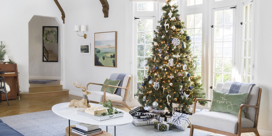 video emily henderson transformed her home into the winter wonderland of our dreams - Christmas Decoration Video