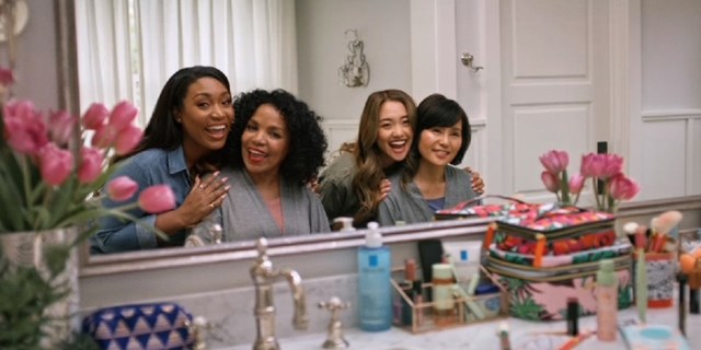 Vloggers Iris Beilin and Jenn Im with their moms