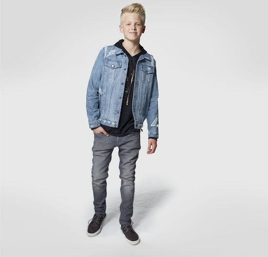 Carson Lueders wearing Art Class clothing