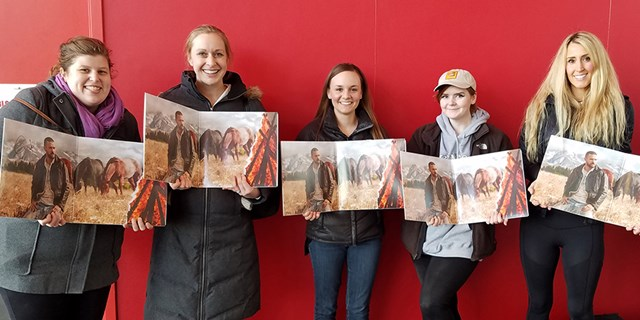 Sarah, Janelle, Heidi, Christina and Jessica holding their autographed albums