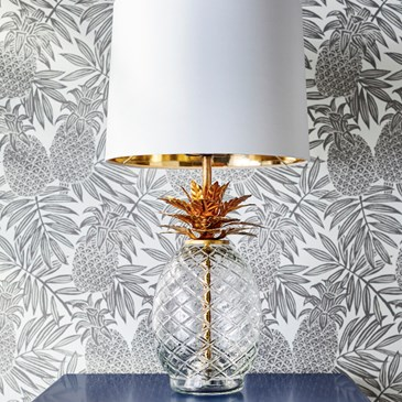 Pineapple wallpaper with pineapple lamp