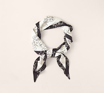 A black and white neck scarf