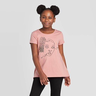 girl wearing pink t-shirt